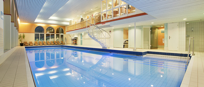 Switzerland_Graubünden-Ski-Region_Arosa-Lenzerheide_Hotel_Sunstar_Alpine_indoor_pool2.jpg